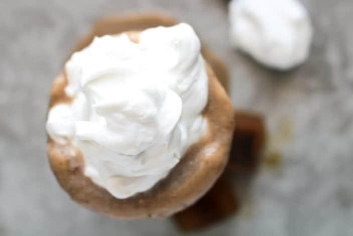 Healthy Caramel Frappuccino (vegan, refined sugar-free!)