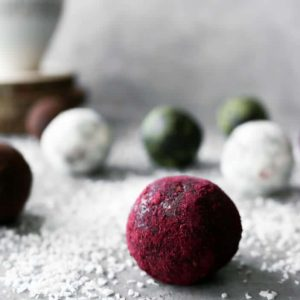 Easy Holiday Truffles (Vegan, Gluten-Free, Refined Sugar-Free)