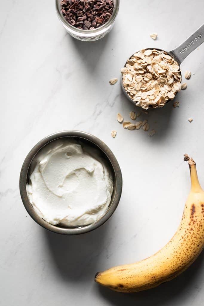 yogurt, oats, banana